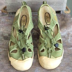 Keen woman's size 11 sandal